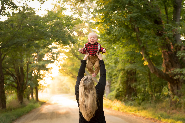 Grand Rapids MI fall family photos, baby and mom, Chesapeake family photographer